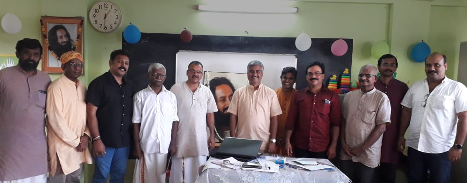 Group photo of IYA Officials with representatives of Yoga Organisations from Kerala
